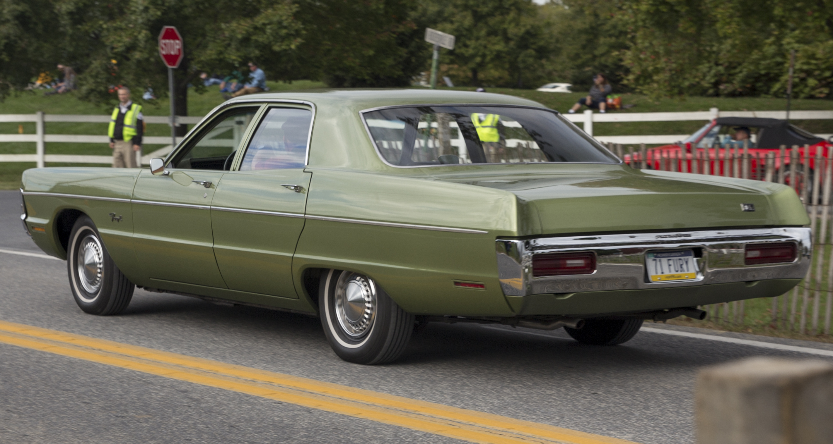 14. 1971 Plymouth_Fury_II