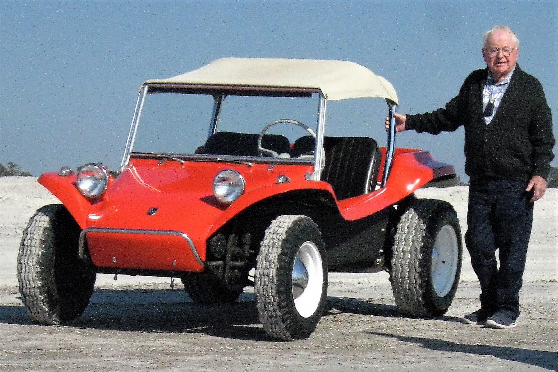 bruce-meyers-and-the-meyers-manx_edited-1