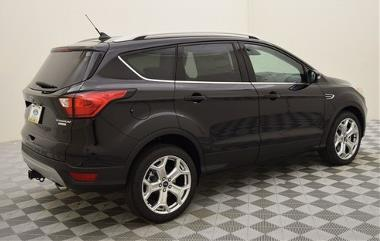 2019 Ford Escape Titanium_Rear_right