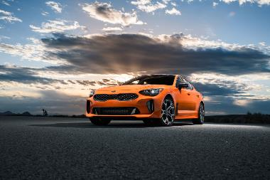 2019 Kia Stinger_front_left