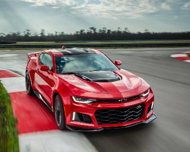 4.-Chevrolet-Camaro-ZL1_front_right